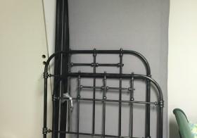 Säng, med metallram, 90×200